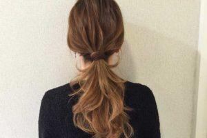 ロングヘアは大人のローポニーのヘアアレンジ