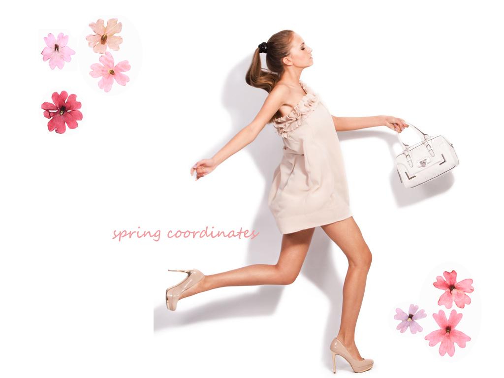春コーデで出かける女性