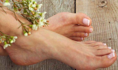 春のフットケアしたキレイな足